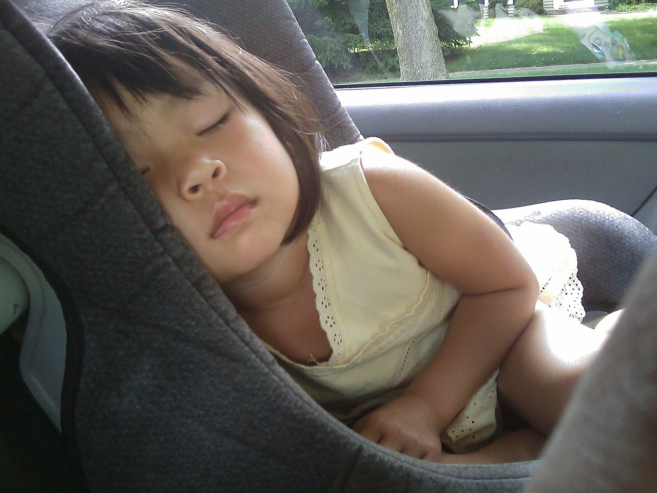 child, sleeping, car seat